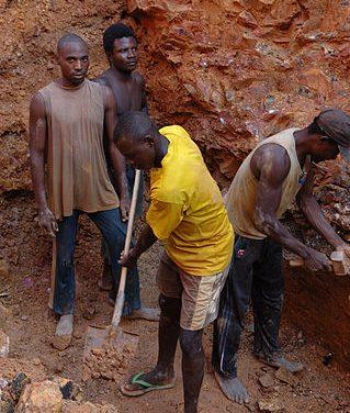 Dossier : Coincés entre ressources naturelles et armes : le peuple de Béni