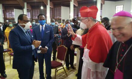 Le Cardenal Parolin en visite au Cameroun